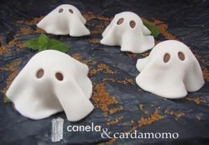 fantasmas de fondant para Halloween