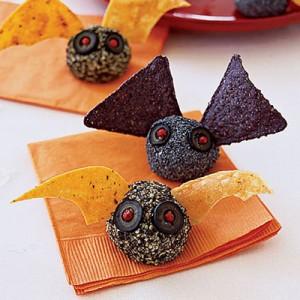 murciélagos de queso y doritos para Halloween