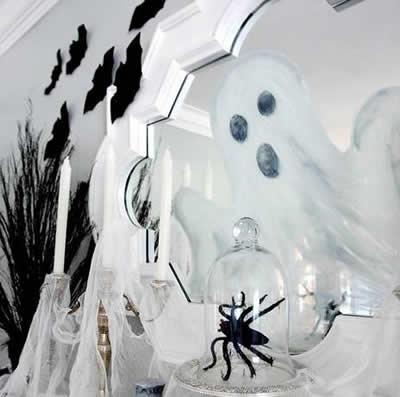 Decoración Halloween, espejo con fantasma